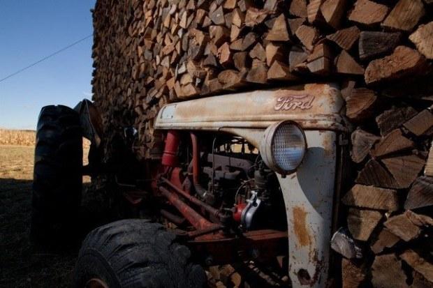 20_Kominy-Tractor_detail